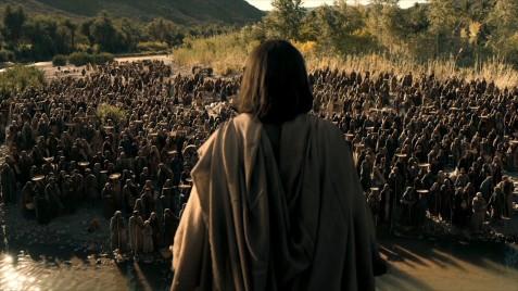 jesus-multitude